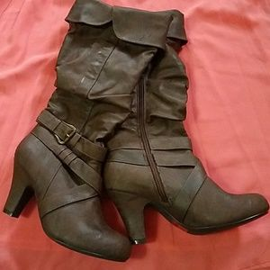 Shoes - Comfortable boots